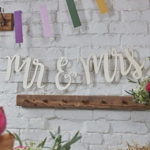 Mr & Mrs - Wooden Bunting